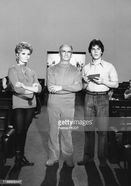 Louis de Funès son fils Olivier et l'actrice Noëlle Adam pendant le tournage du film 'L'homme orchestre' réalisé par Serge Korber le 5 décembre 1969...