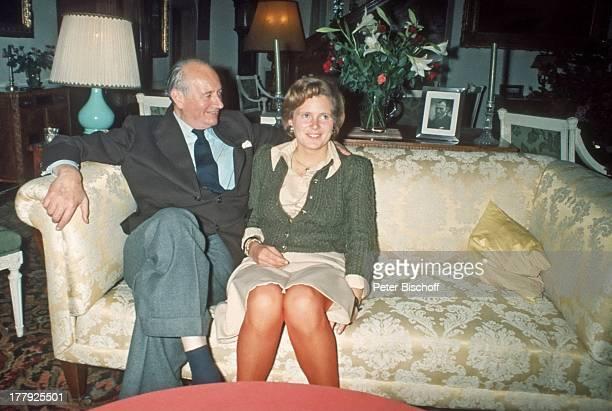 Louis Ferdinand Prinz von Preußen sr., Donata Gräfin zu Castell-Rüdenhausen, Verlobung von D O N A T A G R Ä F I N Z U C A S T E L L - R † D E N H A...