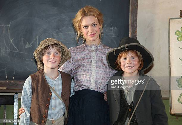 Louis Hofmann as Tom Sawyer Heike Makatsch as Tante Polly and Leon Seidel as Huckleberry Finn attend a photocall to promote the movie Tom Sawyer at...