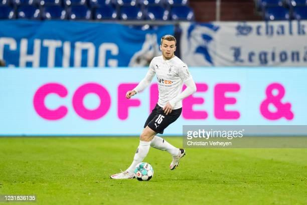 Louis Jordan Beyer of Borussia Moenchengladbach in action during the Bundesliga match between FC Schalke 04 and Borussia Moenchengladbach at...