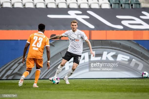 Louis Jordan Beyer of Borussia Moenchengladbach in action during the Bundesliga match between Borussia Moenchengladbach and DSC Arminia Bielefeld at...