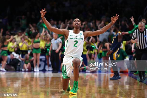 Louis King of the Oregon Ducks celebrates after a basket in the second half against the UC Irvine Anteaters during the second round of the 2019 NCAA...