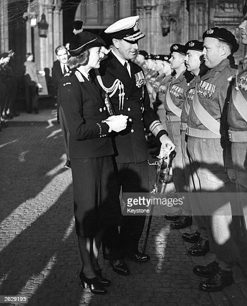 Louis Mountbatten 1st Earl Mountbatten of Burma the British naval commander and statesman with Lady Mountbatten inspecting the guard of honour...