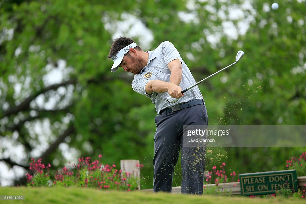 Louis Oosthuizen of South Africa plays his tee shot on the 11th hole during the round of 16 in the World Golf Championships-Dell Match Play at the Austin Country Club on March 26, 2016 in Austin, Texas.