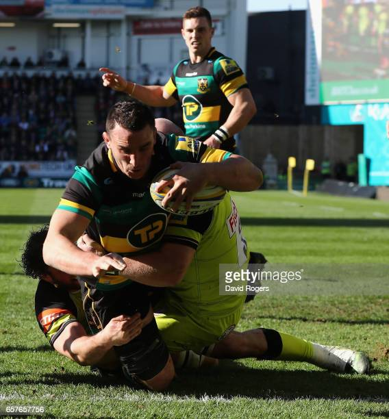 Louis Picamoles of Northampton dives over for their third try during the Aviva Premiership match between Northampton Saints and Leicester Tigers at...