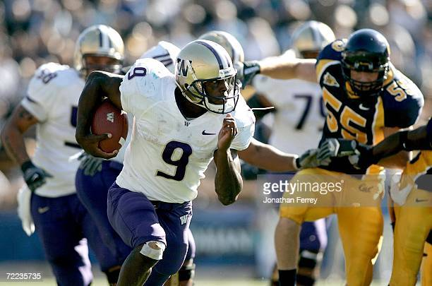 Louis Rankin of the Washington Huskies runs with the ball against the California Golden Bears on October 21, 2006 at Memorial Stadium in Berkeley,...