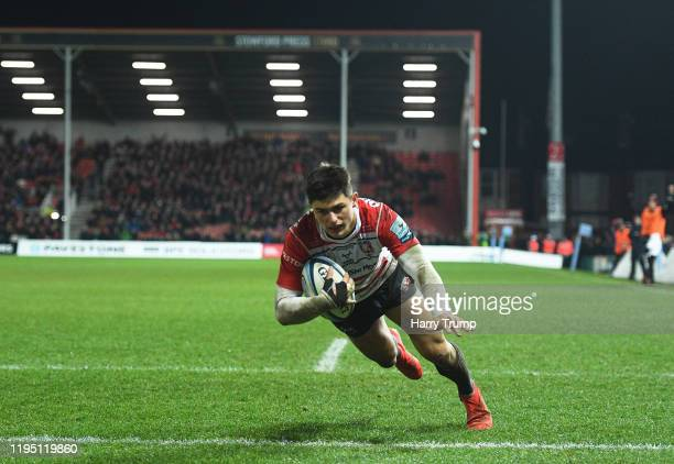 Louis Rees-Zammit of Gloucester Rugby goes over to score his sides fifth try during the Gallagher Premiership Rugby match between Gloucester Rugby...