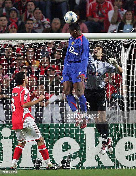 Louis Saha of Manchester United challenges Quim in the Benfica goal during the UEFA Champions League group D match between Benfica and Manchester...