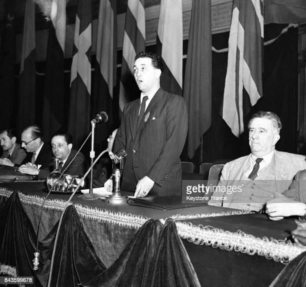 Louis Saillant syndicaliste et ancien résistant prononce le discours inaugural lors du Congrès National de la Résistance à la Sorbonne circa 1940 à...