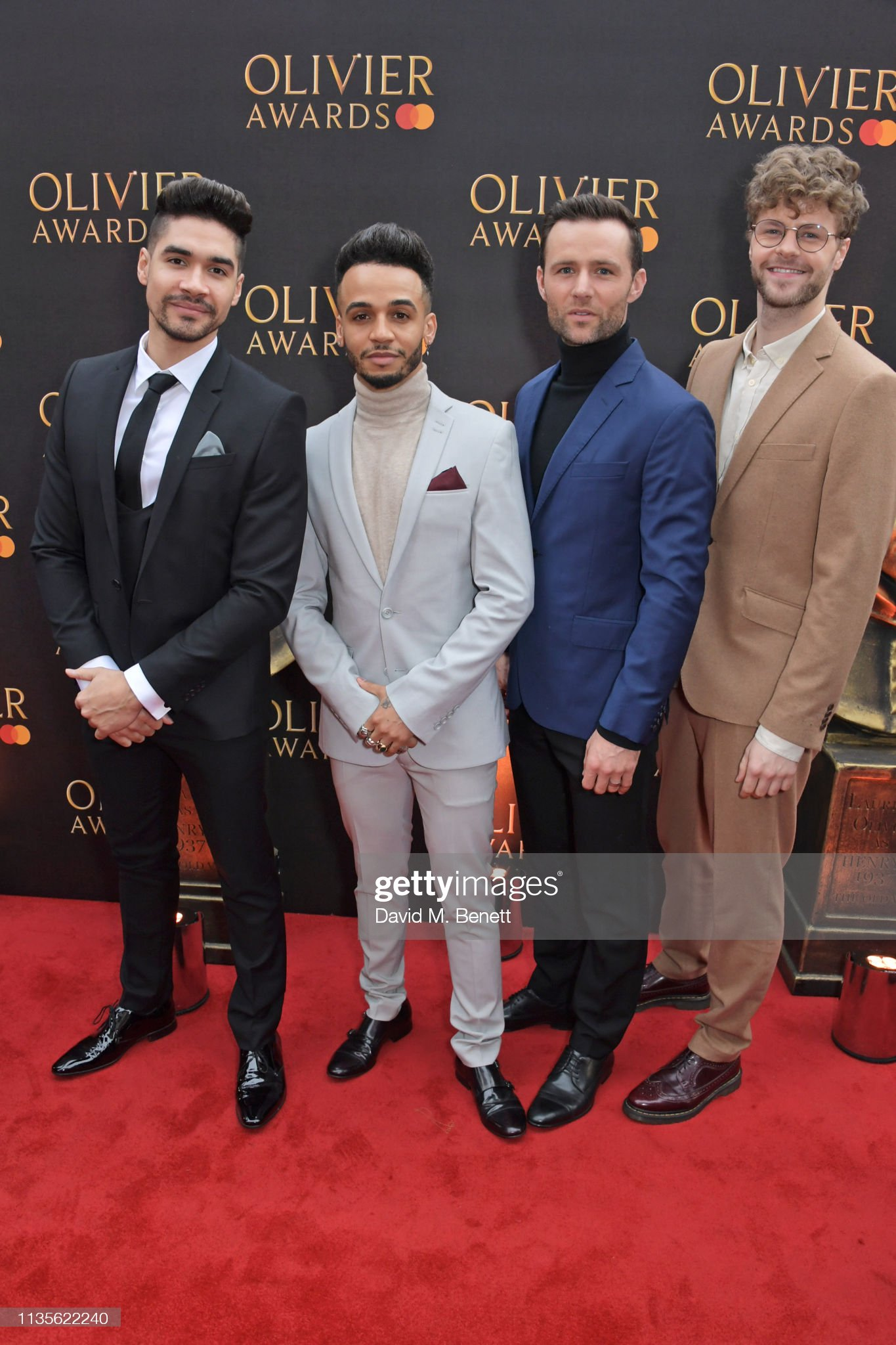 ¿Cuánto mide Harry Judd? - Altura - Real height Louis-smith-aston-merrygold-harry-judd-and-jay-mcguiness-attend-the-picture-id1135622240?s=2048x2048