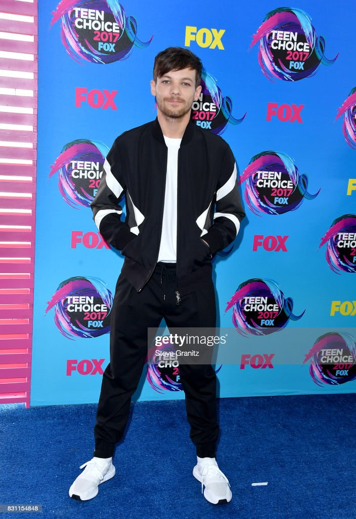 Louis Tomlinson attends the Teen Choice Awards 2017 at Galen Center on August 13, 2017 in Los Angeles, California.