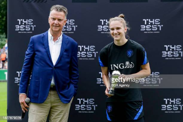Louis van Gaal, Vivianne Miedema of the Netherlands during the training session of the Dutch national soccer team women at KNVB Campus on July 3,...