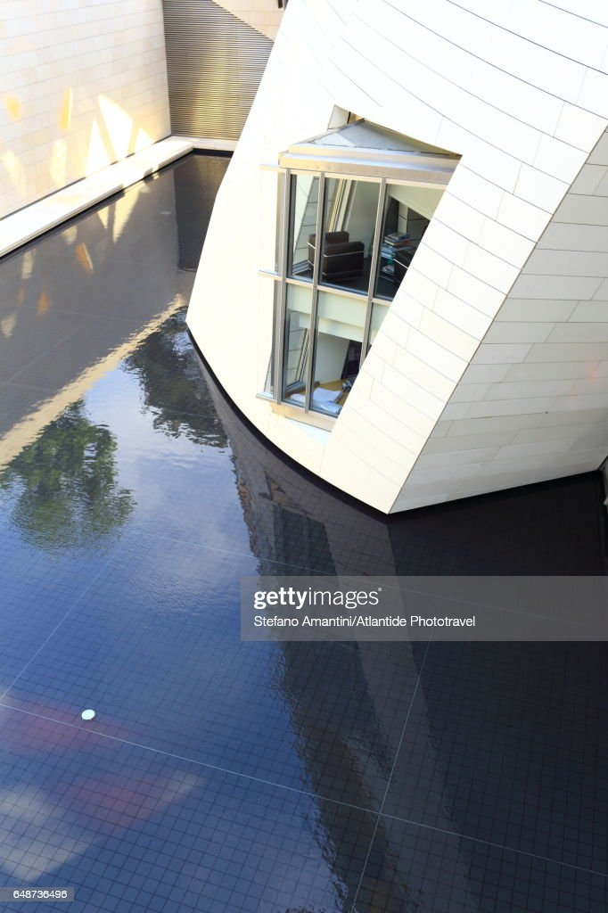 Louis Vuitton foundation in Bois de Boulogne : Stockfoto