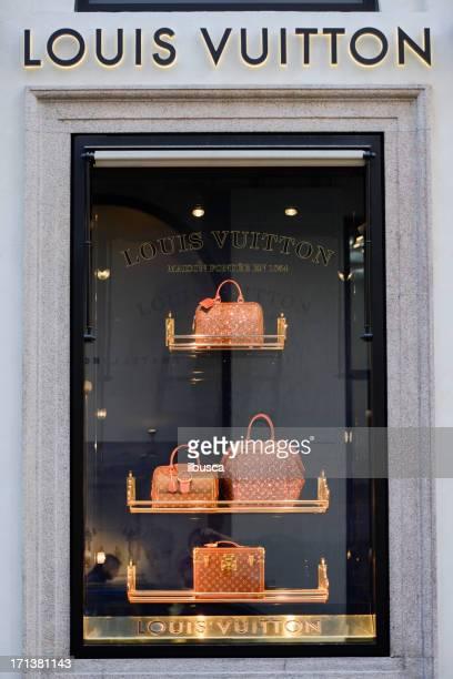 louis vuitton store in milan city centre - louis vuitton designer label stock pictures, royalty-free photos & images