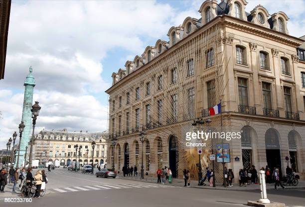 Louis Vuitton's New Boutique is seen at Place Vendome on October 11 2017 in Paris France The opening of this new boutique of the luxury brand Louis...
