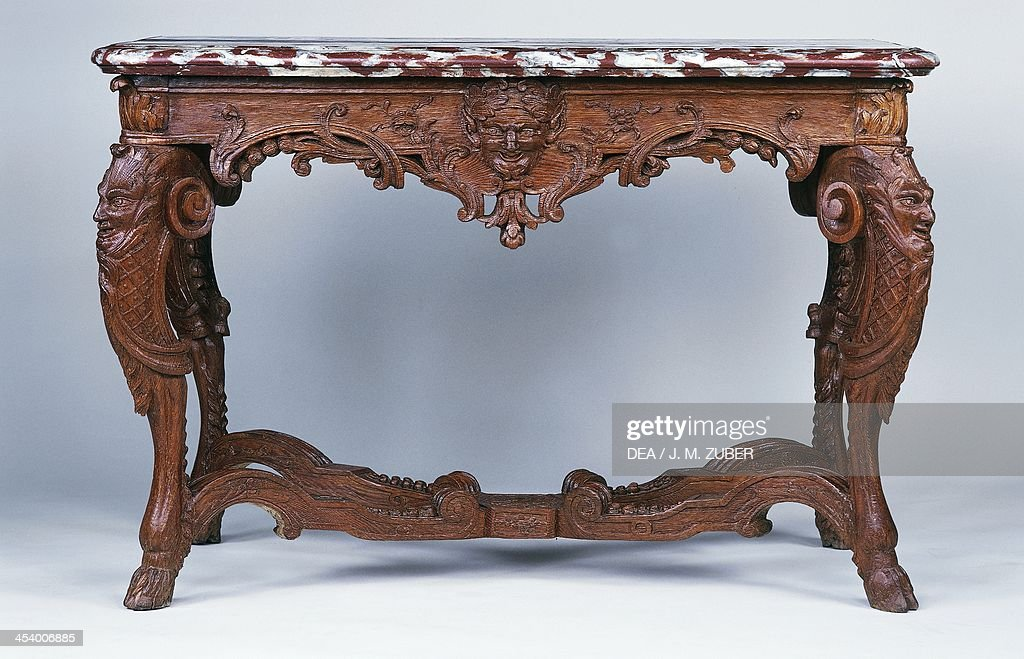Languedoc marble console table : News Photo