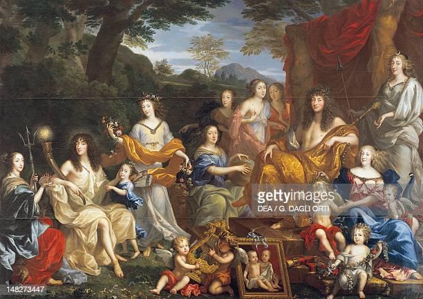 Louis XIV with his family dressed as Roman gods by Jean Nocret I oil on canvas 305x420 cm Versailles Château De Versailles