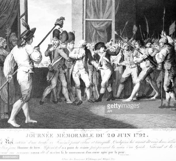 Louis XVI au milieu des manifestants pendant la prise du Palais des Tuileries, le 20 juin 1792, à Paris, en France.