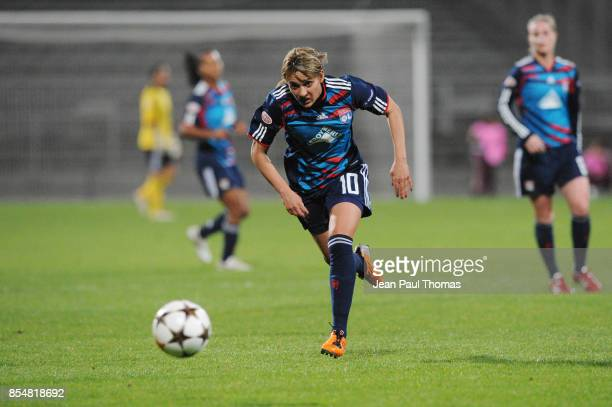 Louisa NECIB Lyon / Zvezda 2005 Perm 1/4 Finale Retour de la Ligue des Champions 2010/2011 Lyon