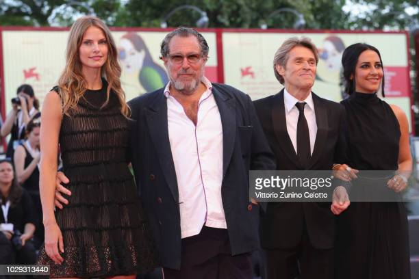 Louise Kugelberg Julian Schnabel Willem Dafoe and Giada Colagrande walk the red carpet ahead of the Award Ceremony during the 75th Venice Film...