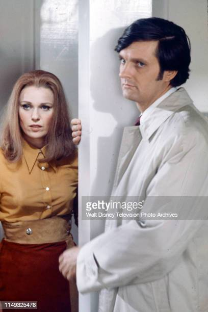 Louise Lasser Alan Alda appearing on the ABC tv movie 'Class of '55'