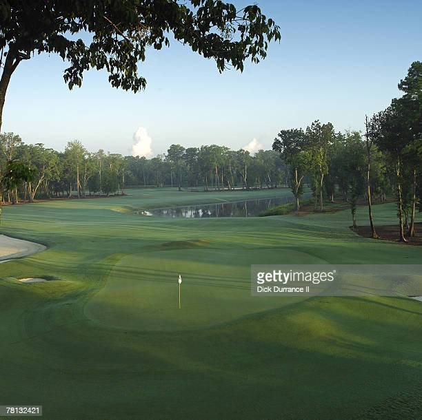 Louisiana Hole 476 yd par 4 Architect: Pete Dye PGA TOUR Player Consultants: Steve Elkington & Kelly Gibson
