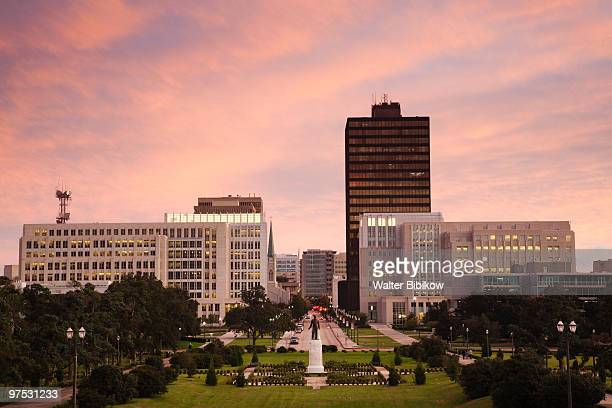 louisiana state capitol, dusk - baton rouge stock pictures, royalty-free photos & images