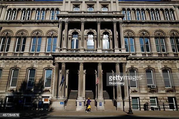 Louisville City Hall stands in downtown Louisville, Kentucky, U.S., on Wednesday, Aug. 14, 2014. Along the shores of the Ohio River, Democrat-led...