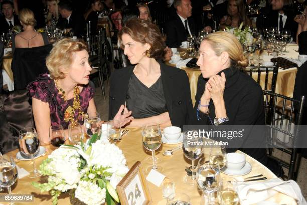 LouLou de la Falaise Eliza Bolen and Tonne Goodman attend The Fashion Group International NIGHT OF STARS 2009 at Cipriani Wall Street on October 22...