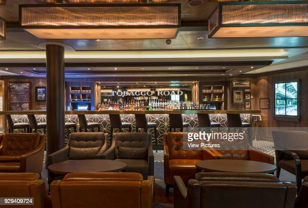Lounge bar Norwegian Cruise Ship _x0013_ The Escape Southampton United Kingdom Architect SMC Design 2015
