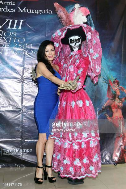 Lourdes Munguía'La Llorona' pose for photos after a press conference to present the play 'La Llorona' at Silvia Pinal Theatre on July 11 2019 in...