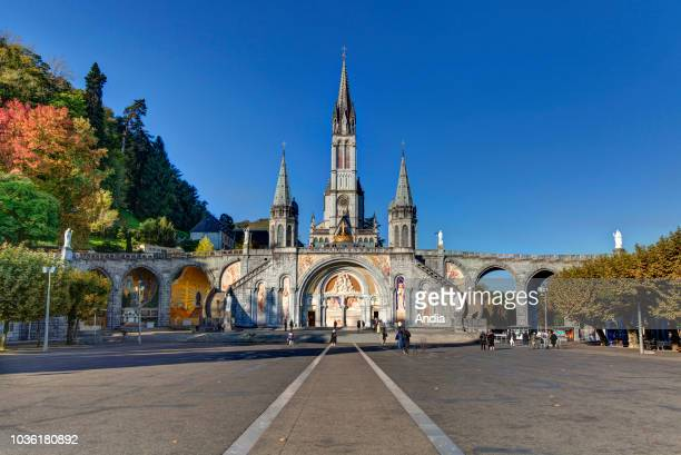 outer view of the Basilica of Our Lady of the Rosary the square and Our Lady of Lourdes sanctuary