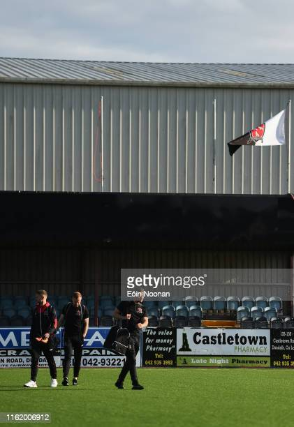 Louth , Ireland - 16 August 2019; Dundalk players, from left, Dane Massey, Seán Hoare and Andy Boyle prior to the SSE Airtricity League Premier...