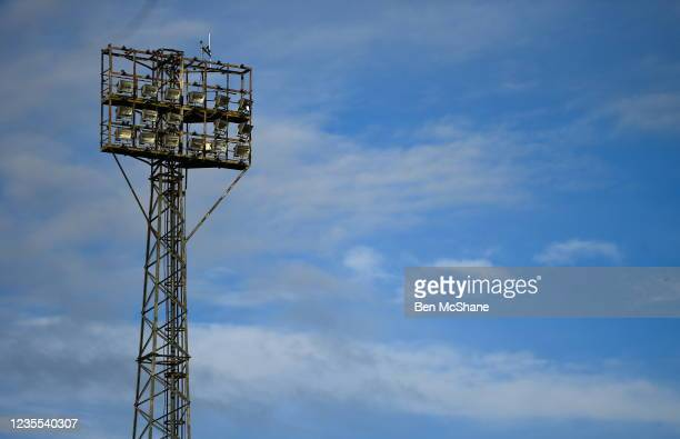 Louth , Ireland - 27 September 2021; A general view of a floodlight at Oriel Park before the SSE Airtricity League Premier Division match between...