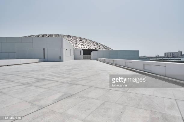 ルーブルアブダビ、アラブ首長国連邦-4 月2019 - ルーブル・アブダビ ストックフォトと画像