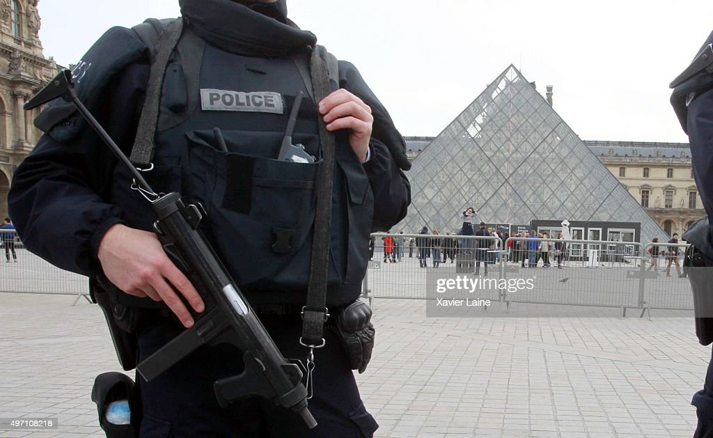 Significant Death Toll Feared In Paris Terror Attacks : News Photo