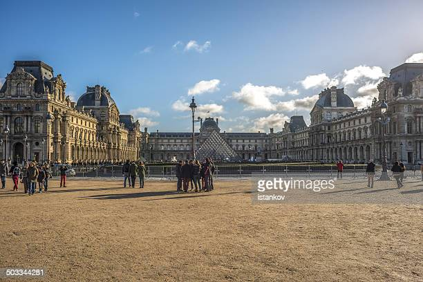 louvre museum, paris, france - cour carree stock pictures, royalty-free photos & images