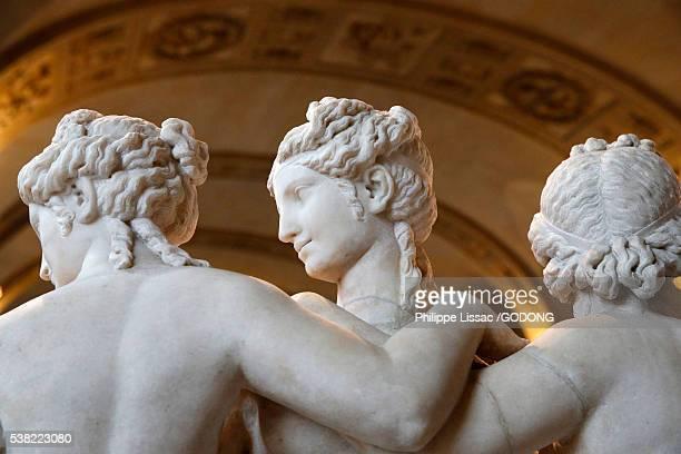 louvre museum. paris. the three graces. second century ad. marble. detail. - musée du louvre photos et images de collection