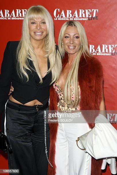 Lova Moor and her sister jackie in Paris, France on October 26, 2006.