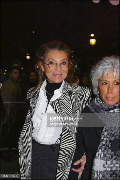 'Love Actually' Premiere On November 17 2003 In Paris France Sheila