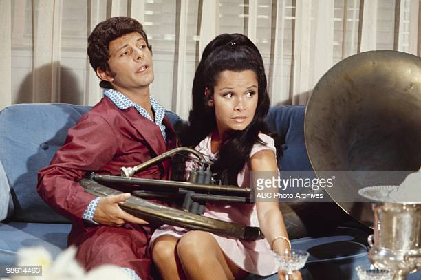 STYLE Love and the Accidental passion/Love and the Black Limousine/Love and the Eskimo's Wife/Love and the Tuba Airdate December 3 1971 FRANKIE