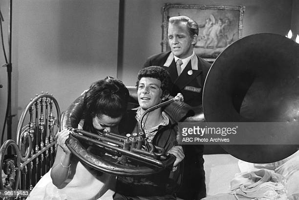 STYLE Love and the Accidental Passion/Love and the Black Limousine/Love and the Eskimo's Wife/Love and the Tuba Airdate December 3 1971 ANNETTE