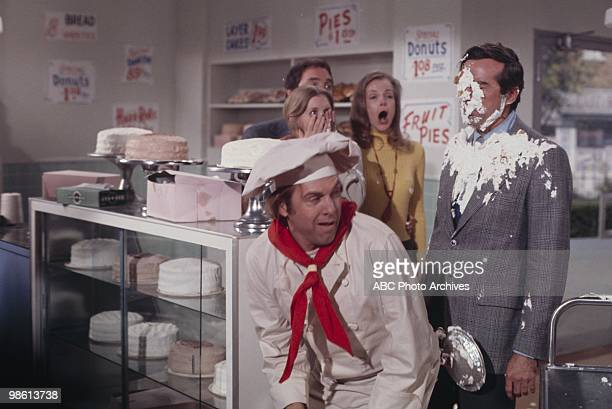"""Love and the Baker's Half Dozen"""" - Airdate February 12, 1971. ALAN SUES;SUSAN HOWARD;JOEY FORMAN;LARAINE STEPHENS;DICK PATTERSON"""