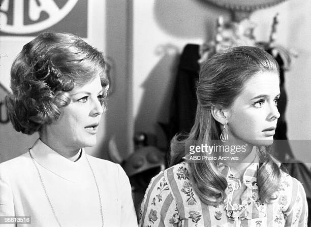 STYLE Love and the Single Couple Airdate on October 27 1969 MARJORIE