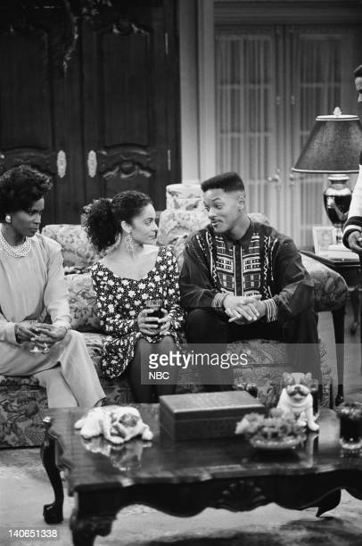 AIR 'Love at First Fight' Episode 21 Pictured Janet Hubert as Vivian Banks Jasmine Guy as Kayla Samuels Will Smith as William 'Will' Smith Photo by...