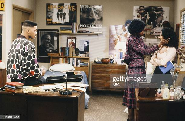 AIR 'Love at First Fight' Episode 21 Pictured Will Smith as William 'Will' Smith Janet Hubert as Vivian Banks Jasmine Guy as Kayla Samuels Photo by...