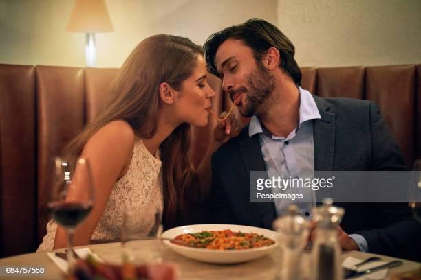 love bocadillos - intimate dinner fotografías e imágenes de stock