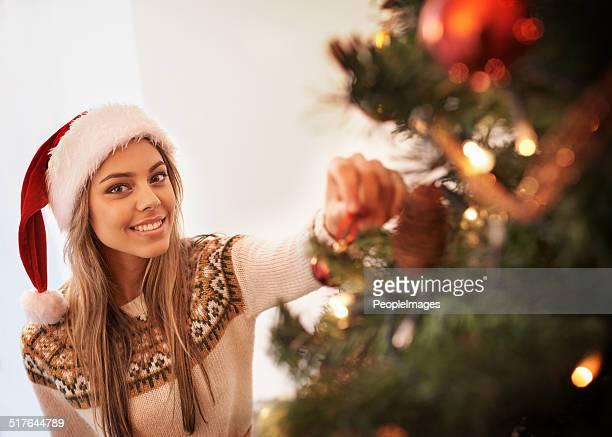 Ich liebe dekorieren dem Baum zu Weihnachten