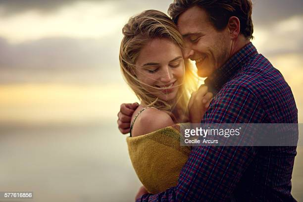 love has it's own vocabulary - verlegen stockfoto's en -beelden