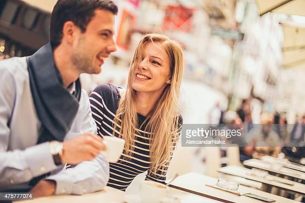 Amour dans un café